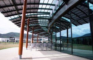 curved photovoltaic canopy